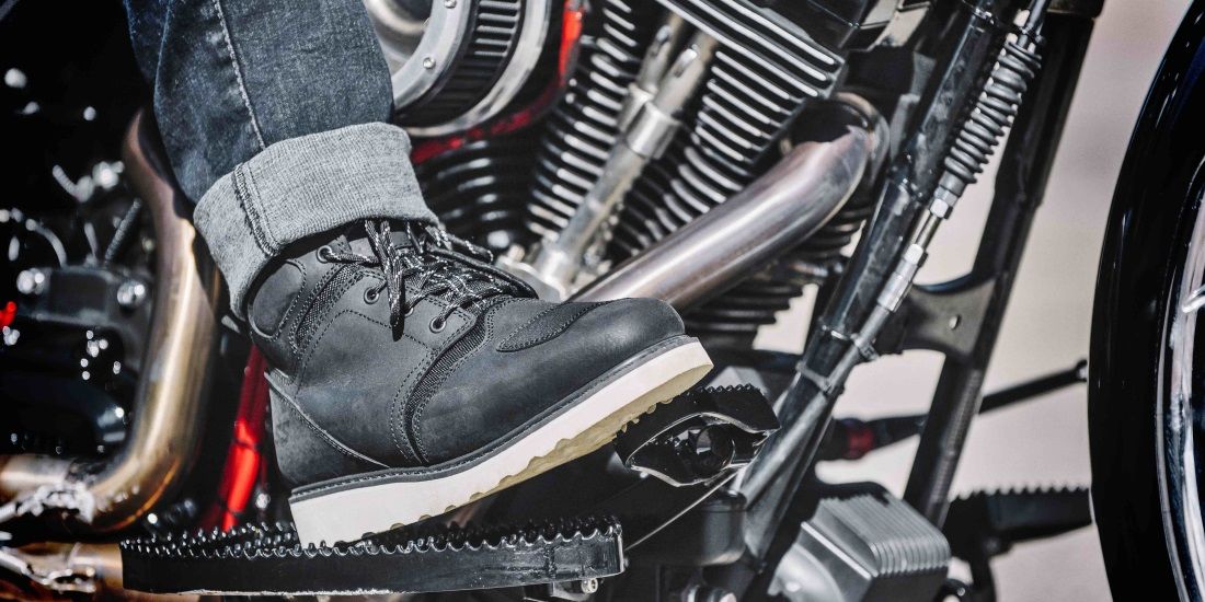 boots for motorcycle riding